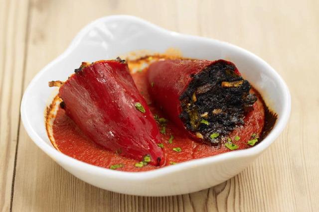Rote Paprika mit Blutwurst