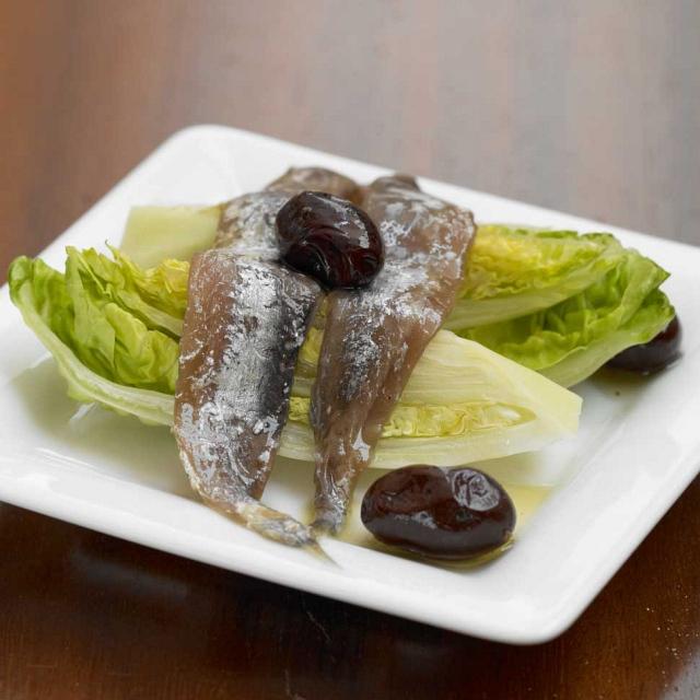 Salatherzen mit Anchovis